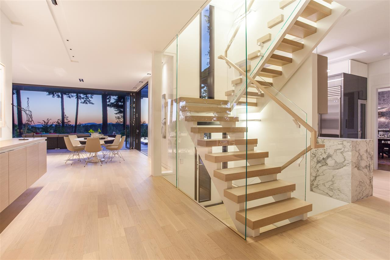Detached at 2106 SW MARINE DRIVE, Vancouver West, British Columbia. Image 10