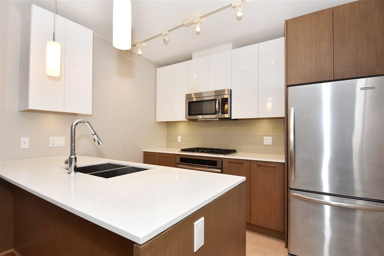 Condo Apartment at 2005 5511 HOLLYBRIDGE WAY, Unit 2005, Richmond, British Columbia. Image 6