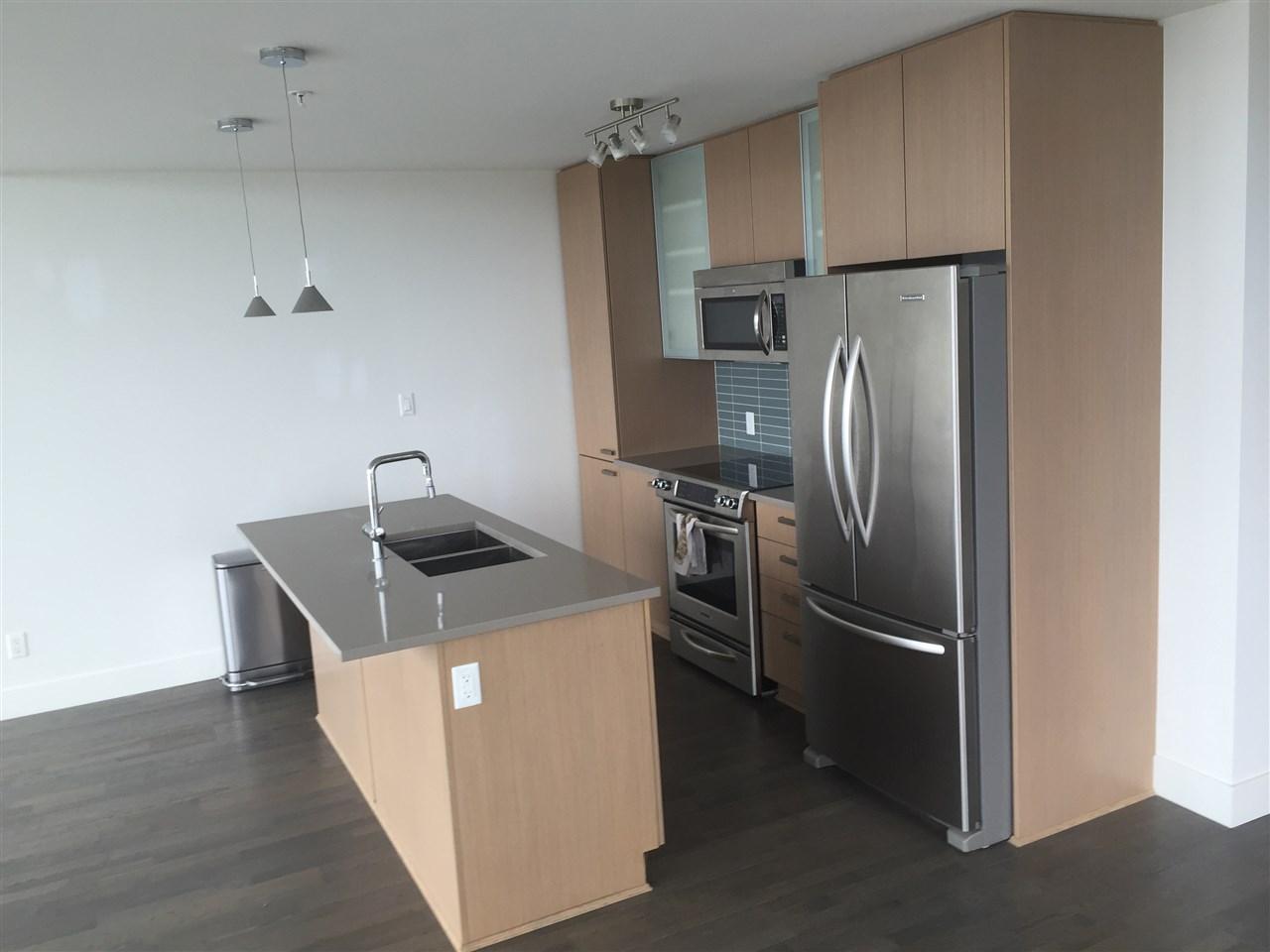 Condo Apartment at 4001 13325 102A AVENUE, Unit 4001, North Surrey, British Columbia. Image 3