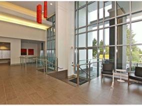 Condo Apartment at 4001 13325 102A AVENUE, Unit 4001, North Surrey, British Columbia. Image 12
