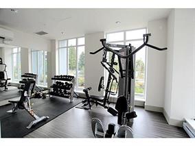 Condo Apartment at 4001 13325 102A AVENUE, Unit 4001, North Surrey, British Columbia. Image 14