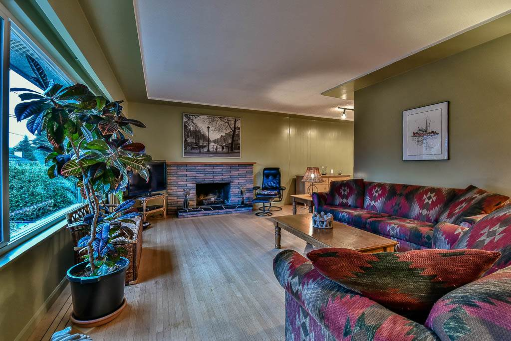 Detached at 8857 RUSSELL DRIVE, N. Delta, British Columbia. Image 2