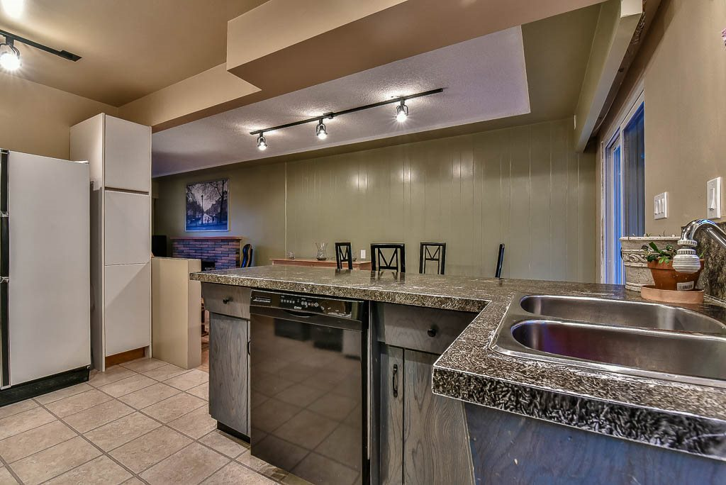 Detached at 8857 RUSSELL DRIVE, N. Delta, British Columbia. Image 10