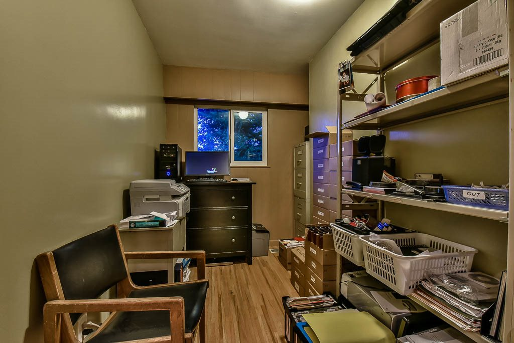 Detached at 8857 RUSSELL DRIVE, N. Delta, British Columbia. Image 11
