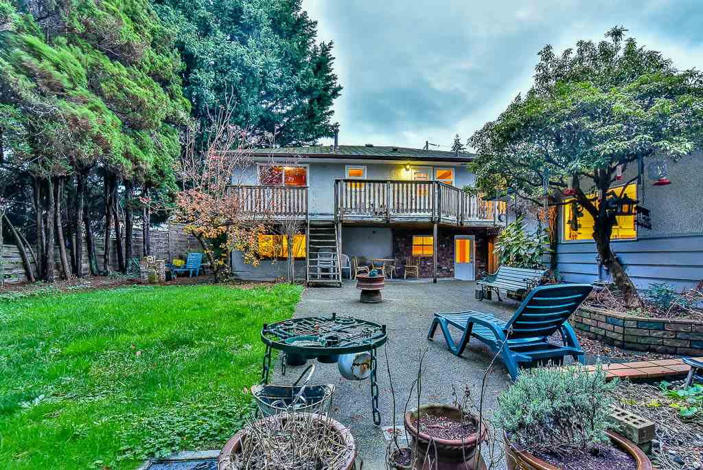 Detached at 8857 RUSSELL DRIVE, N. Delta, British Columbia. Image 20
