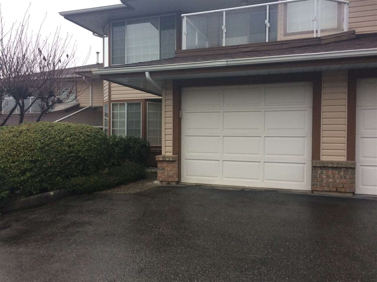 Townhouse at 11 32659 GEORGE FERGUSON WAY, Unit 11, Abbotsford, British Columbia. Image 1