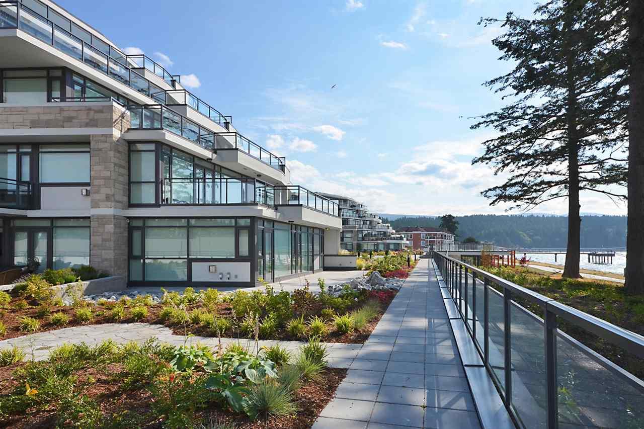 Condo Apartment at 301 5725 TEREDO STREET, Unit 301, Sunshine Coast, British Columbia. Image 3