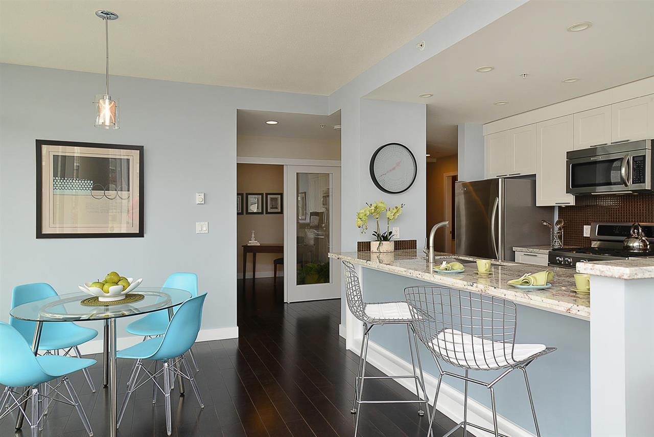Condo Apartment at 301 5725 TEREDO STREET, Unit 301, Sunshine Coast, British Columbia. Image 12