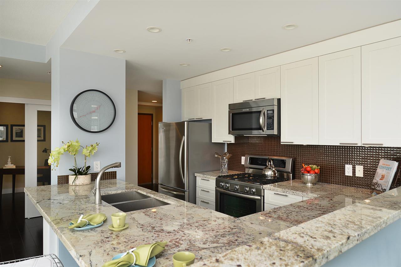 Condo Apartment at 301 5725 TEREDO STREET, Unit 301, Sunshine Coast, British Columbia. Image 14