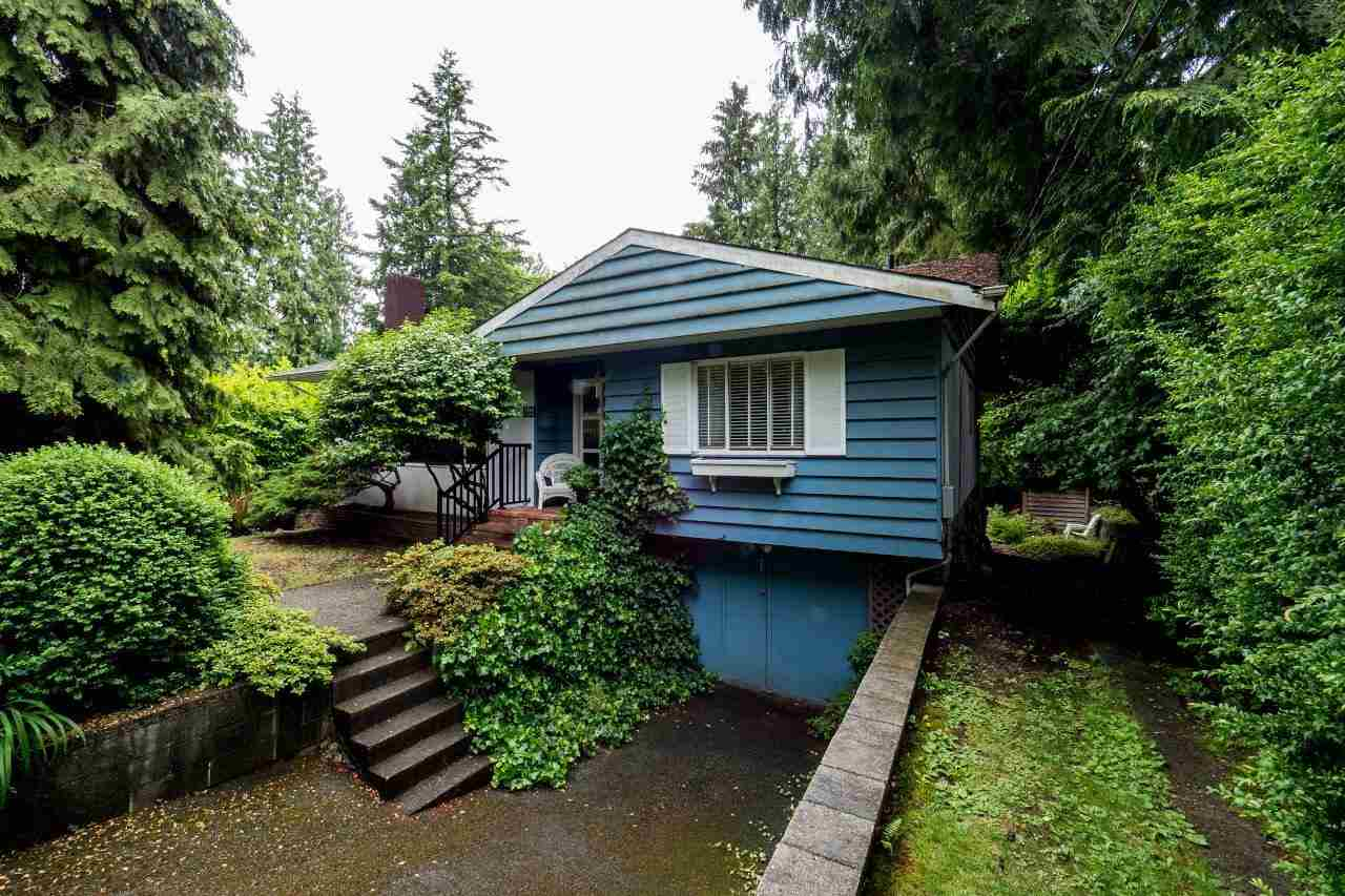 Detached at 3781 CALDER AVENUE, North Vancouver, British Columbia. Image 1