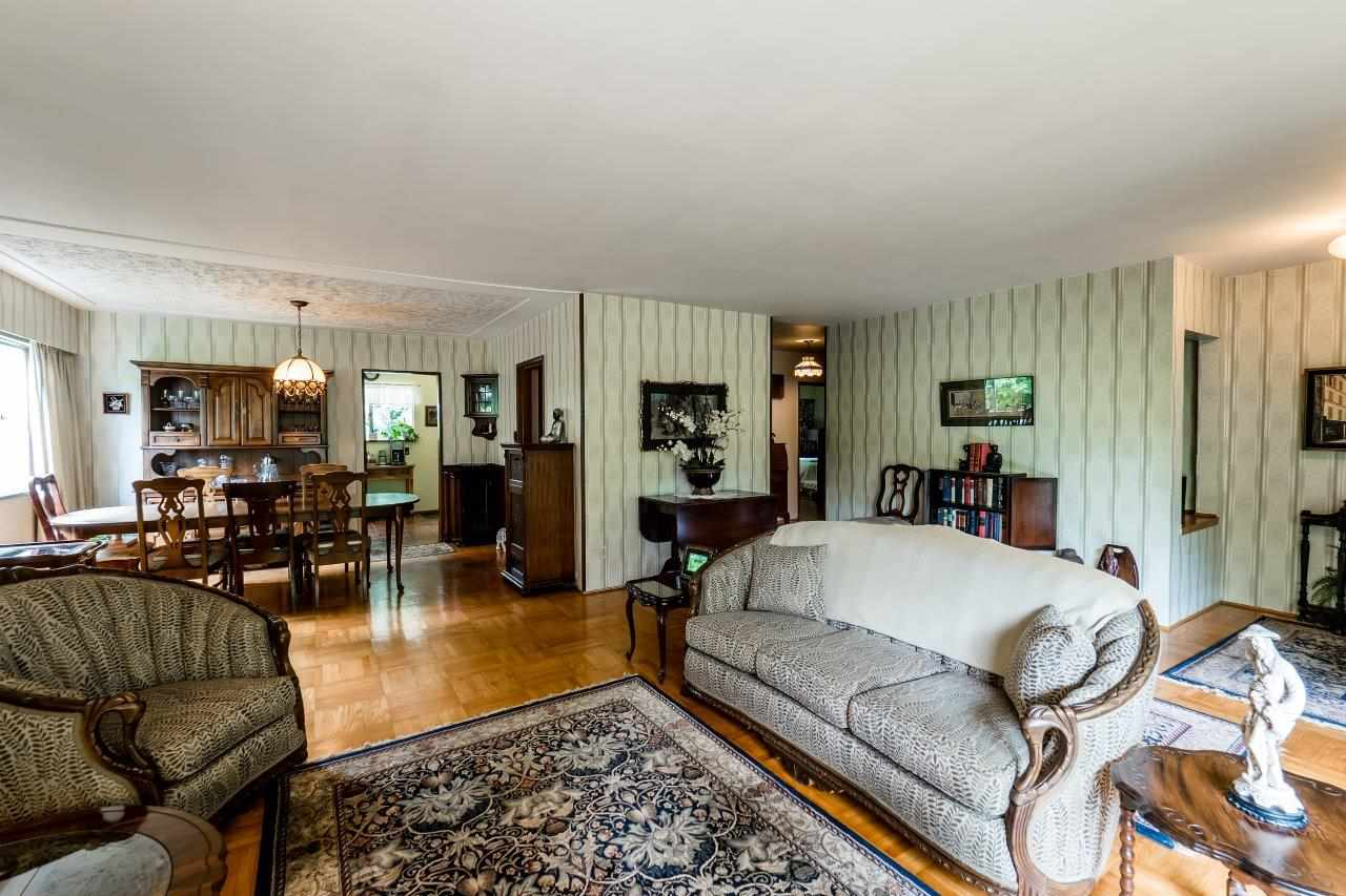 Detached at 3781 CALDER AVENUE, North Vancouver, British Columbia. Image 4