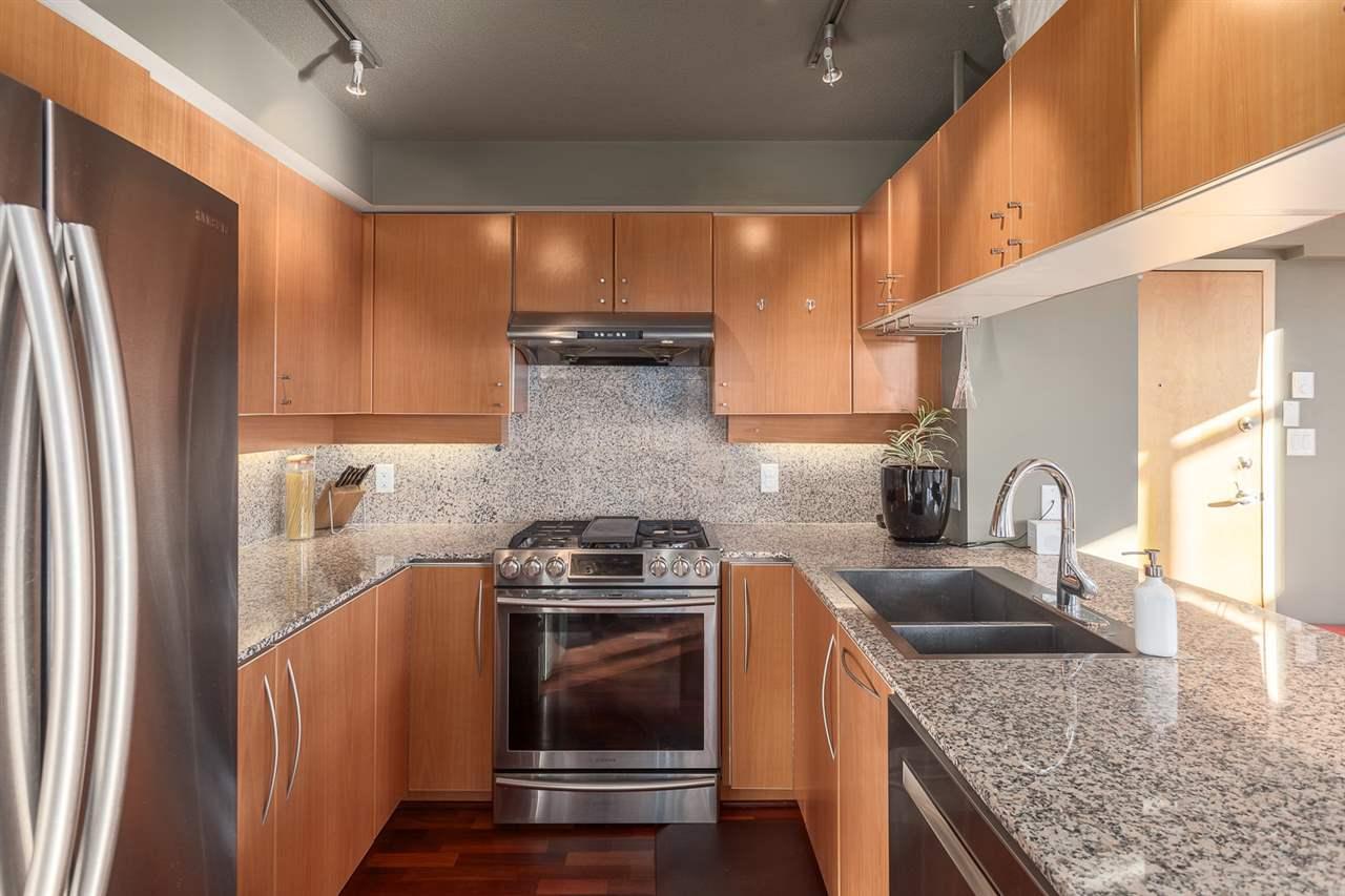 Condo Apartment at 2401 1238 RICHARDS STREET, Unit 2401, Vancouver West, British Columbia. Image 4
