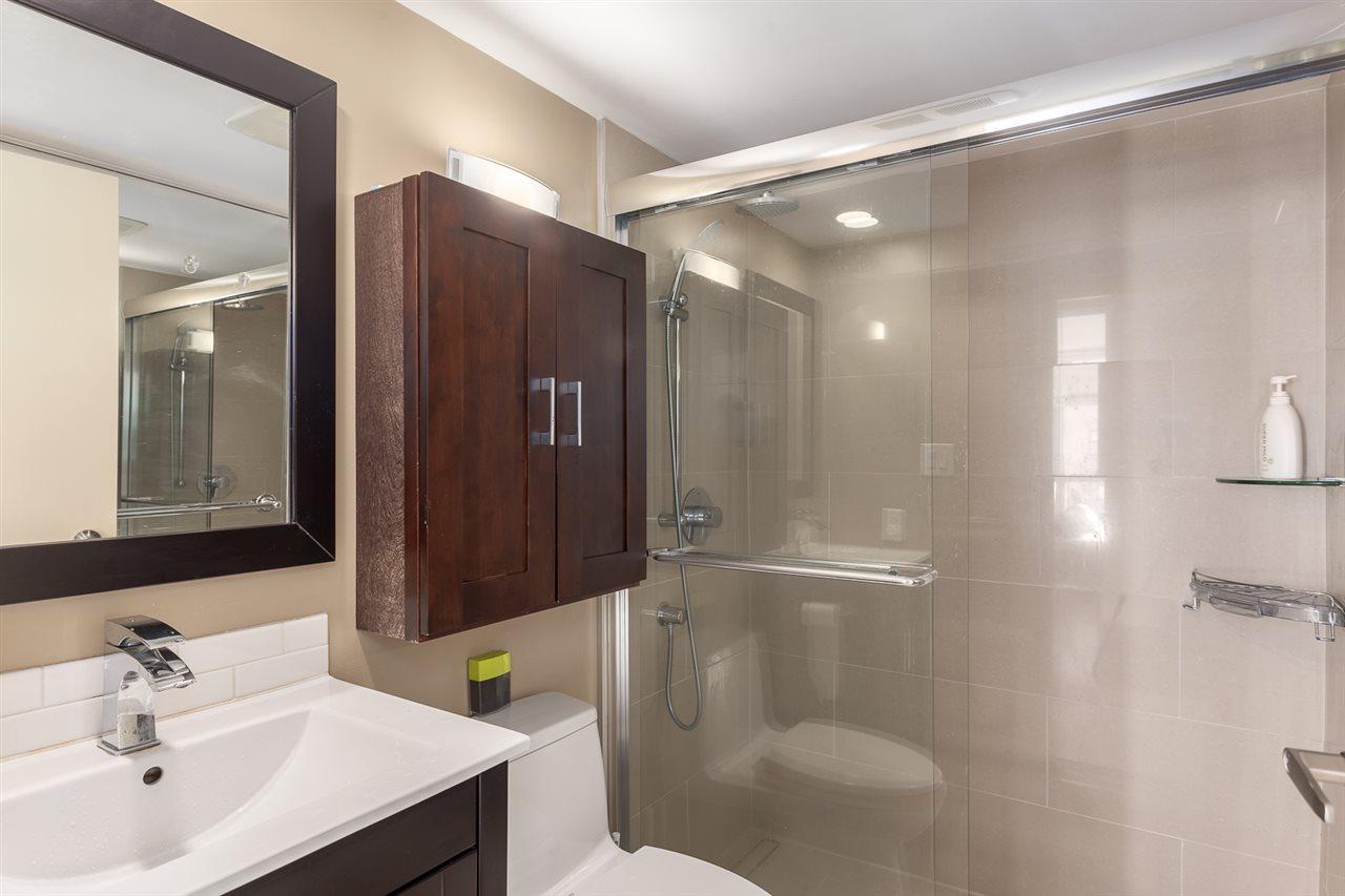 Condo Apartment at 2401 1238 RICHARDS STREET, Unit 2401, Vancouver West, British Columbia. Image 6