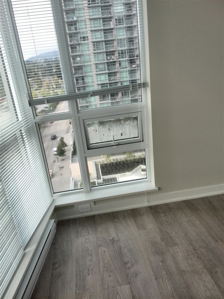 Condo Apartment at 1708 2975 ATLANTIC AVENUE, Unit 1708, Coquitlam, British Columbia. Image 4