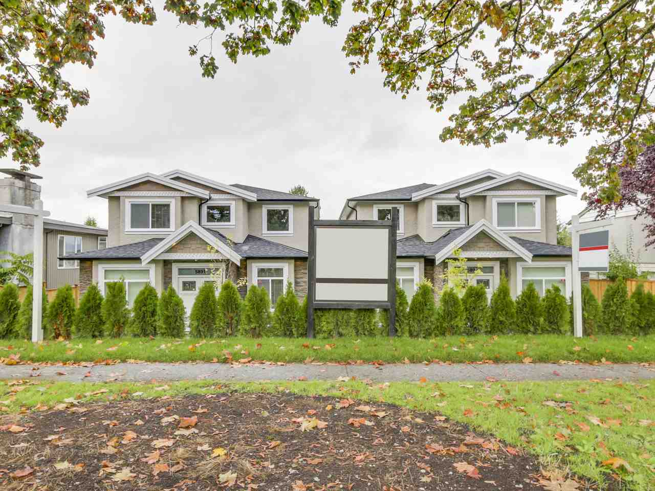 Half-duplex at 5891 BRYANT STREET, Burnaby South, British Columbia. Image 2
