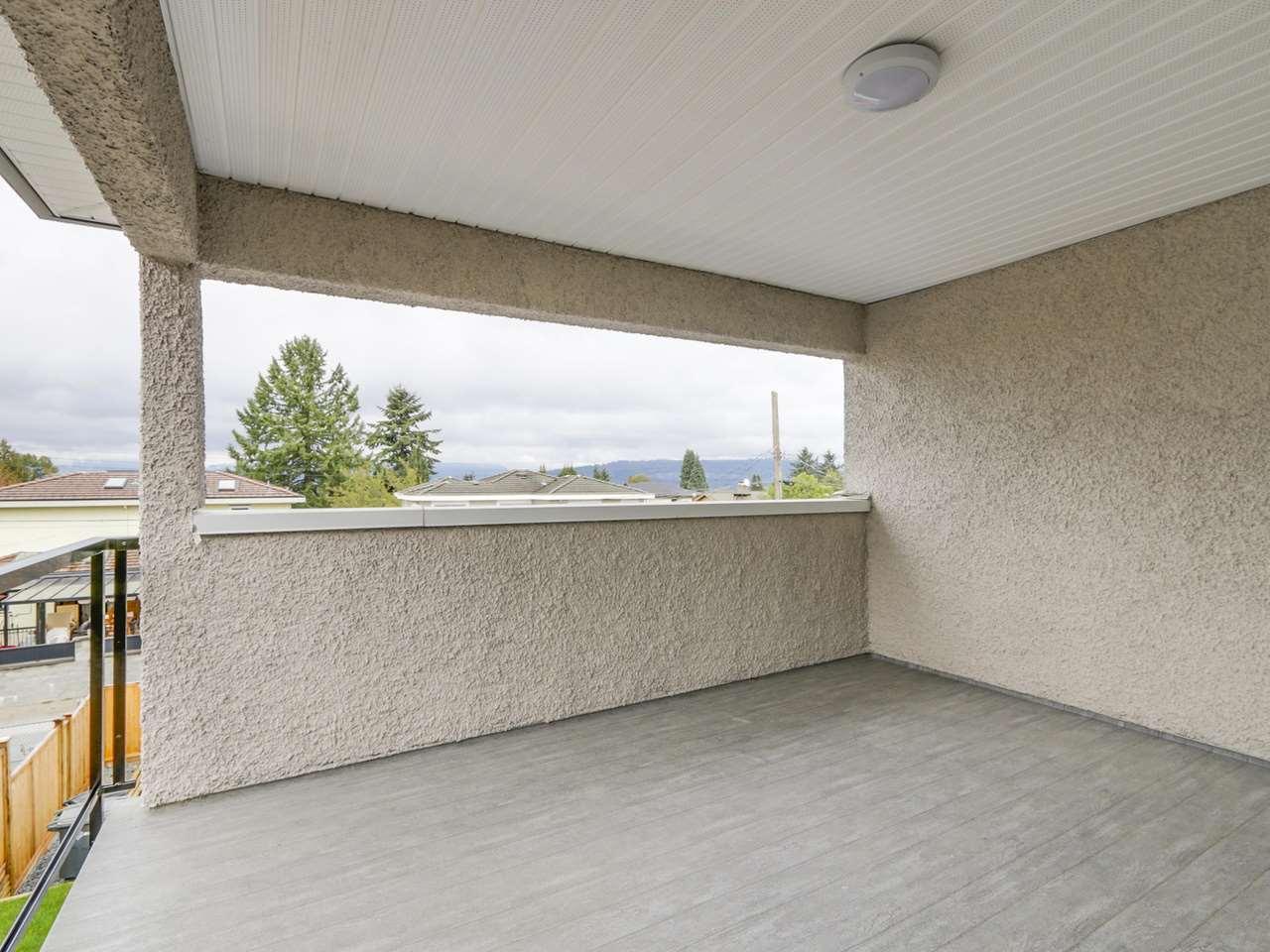 Half-duplex at 5891 BRYANT STREET, Burnaby South, British Columbia. Image 18