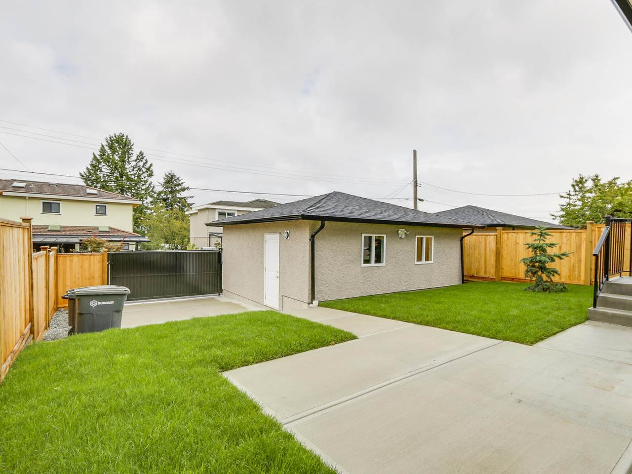Half-duplex at 5891 BRYANT STREET, Burnaby South, British Columbia. Image 19