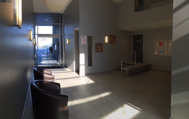 Condo Apartment at 402 9025 HIGHLAND COURT, Unit 402, Burnaby North, British Columbia. Image 9