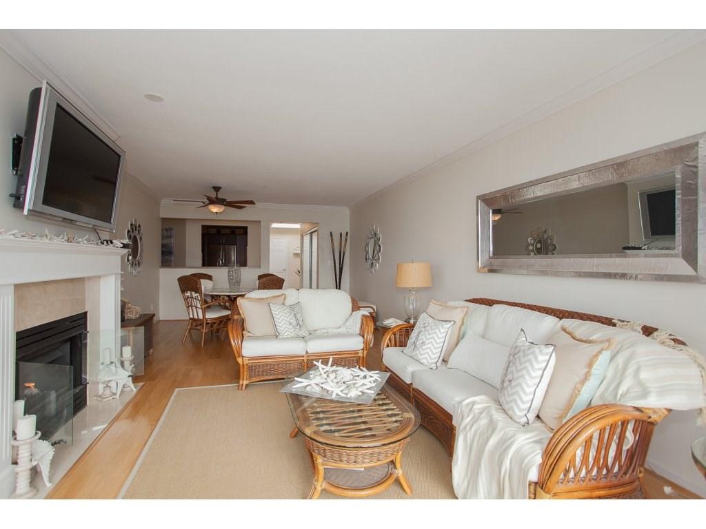 Condo Apartment at 301 14965 MARINE DRIVE, Unit 301, South Surrey White Rock, British Columbia. Image 7
