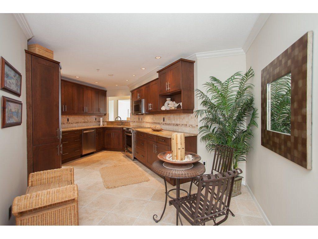 Condo Apartment at 301 14965 MARINE DRIVE, Unit 301, South Surrey White Rock, British Columbia. Image 9