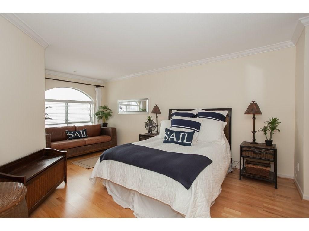 Condo Apartment at 301 14965 MARINE DRIVE, Unit 301, South Surrey White Rock, British Columbia. Image 14