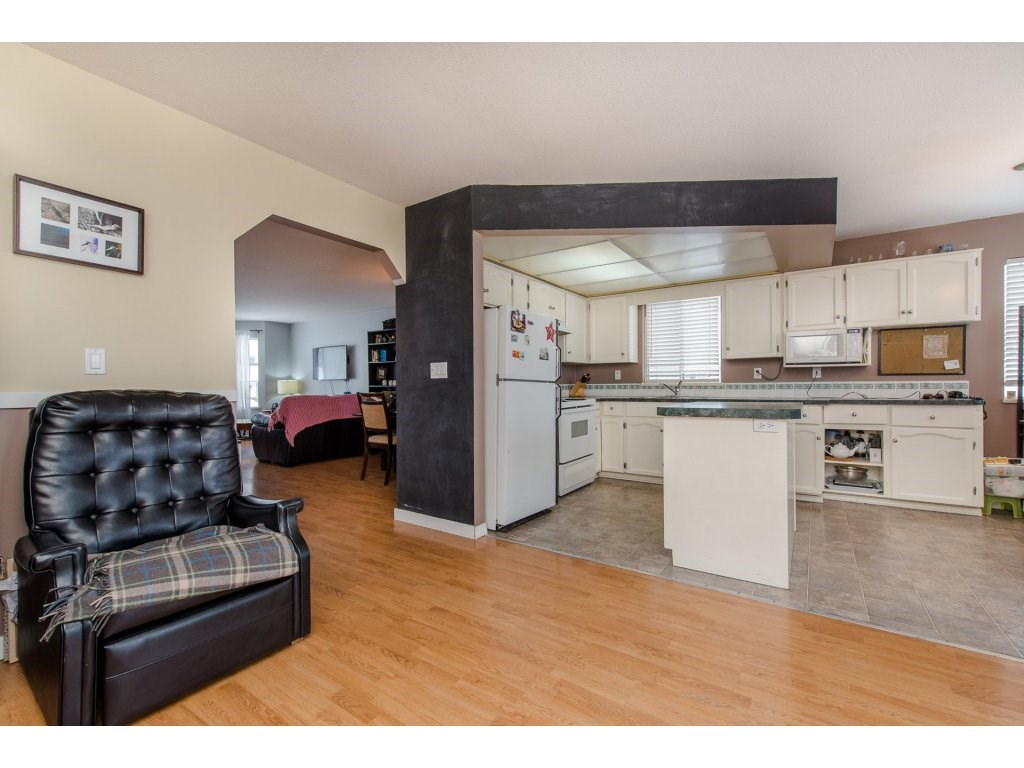 Detached at 3067 CASSIAR AVENUE, Abbotsford, British Columbia. Image 7