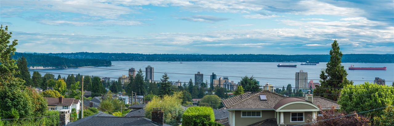 Detached at 2111 OTTAWA AVENUE, West Vancouver, British Columbia. Image 20