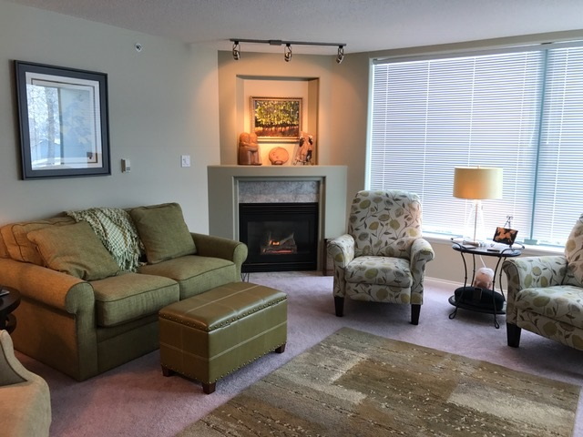 Condo at 306 33065 MILL LAKE ROAD, Unit 306, Abbotsford, British Columbia. Image 5