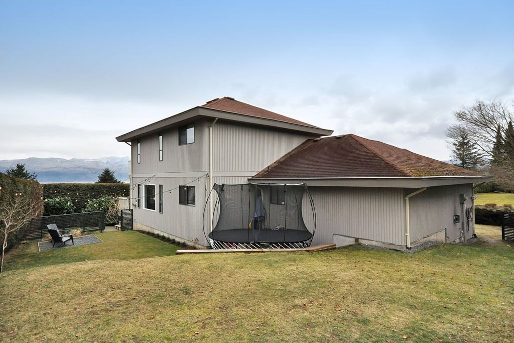 Detached at 35891 EAGLECREST DRIVE, Abbotsford, British Columbia. Image 20