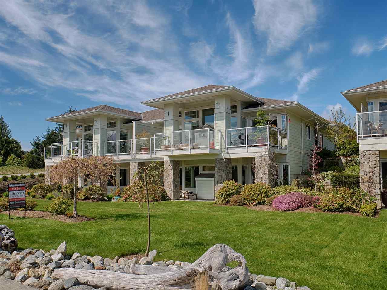 Half-duplex at 14 5520 MCCOURT ROAD, Unit 14, Sunshine Coast, British Columbia. Image 2