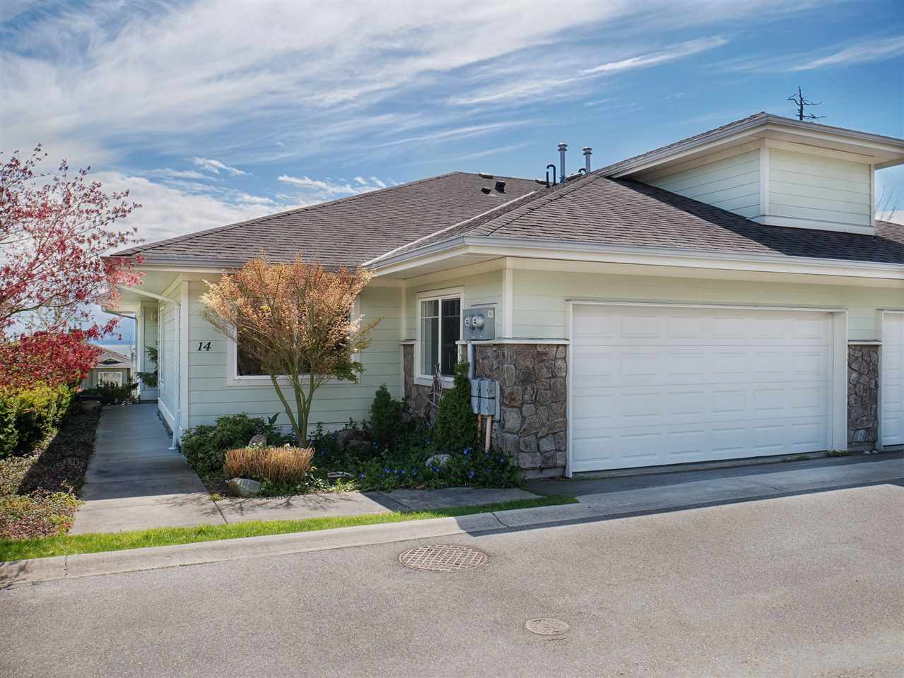 Half-duplex at 14 5520 MCCOURT ROAD, Unit 14, Sunshine Coast, British Columbia. Image 3