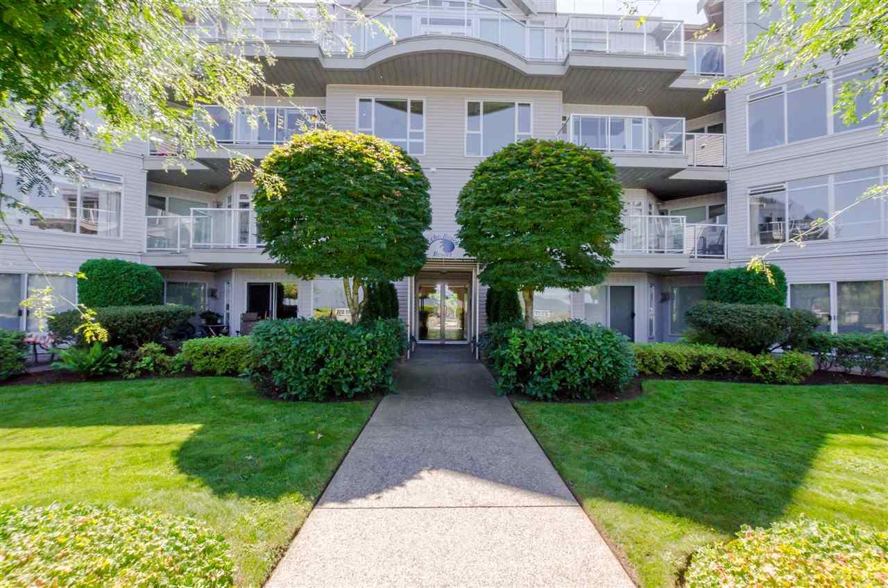 Condo Apartment at 406 328 ESPLANADE AVENUE, Unit 406, Harrison Hot Springs, British Columbia. Image 2