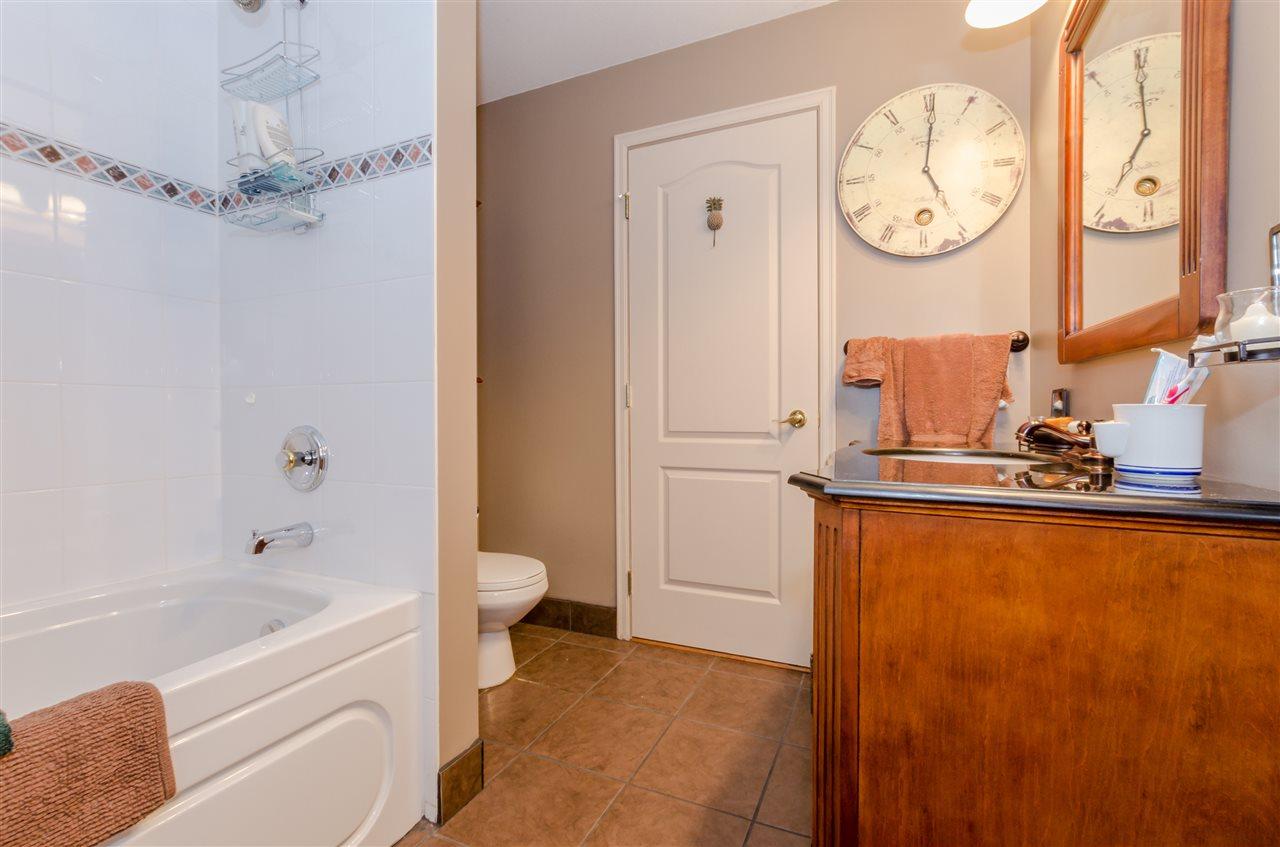 Condo Apartment at 406 328 ESPLANADE AVENUE, Unit 406, Harrison Hot Springs, British Columbia. Image 11
