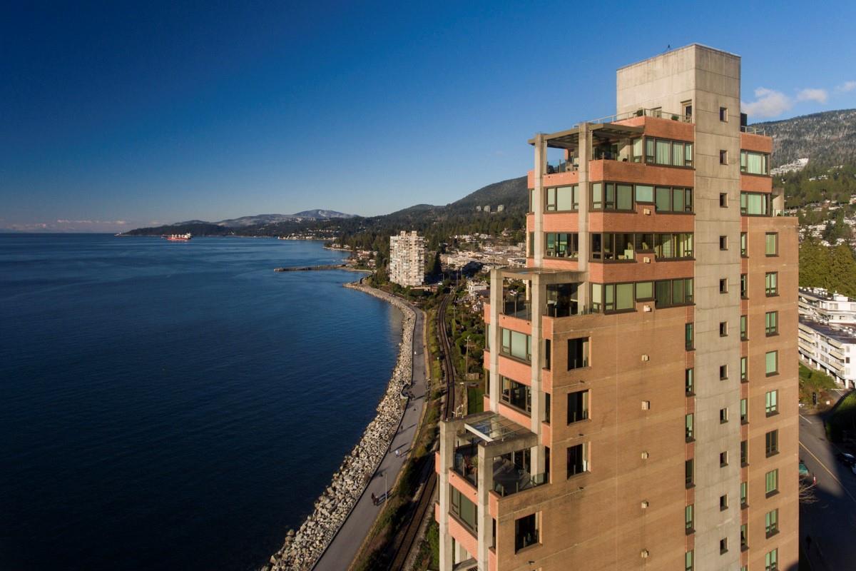 Condo Apartment at 12 2250 BELLEVUE AVENUE, Unit 12, West Vancouver, British Columbia. Image 1