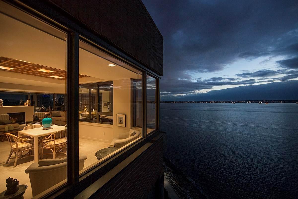 Condo Apartment at 12 2250 BELLEVUE AVENUE, Unit 12, West Vancouver, British Columbia. Image 3