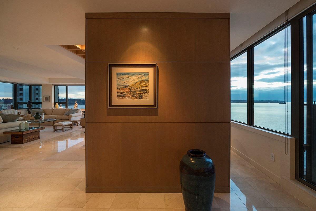 Condo Apartment at 12 2250 BELLEVUE AVENUE, Unit 12, West Vancouver, British Columbia. Image 5