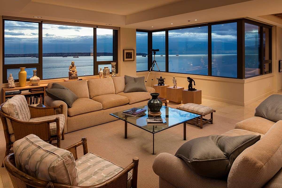 Condo Apartment at 12 2250 BELLEVUE AVENUE, Unit 12, West Vancouver, British Columbia. Image 7