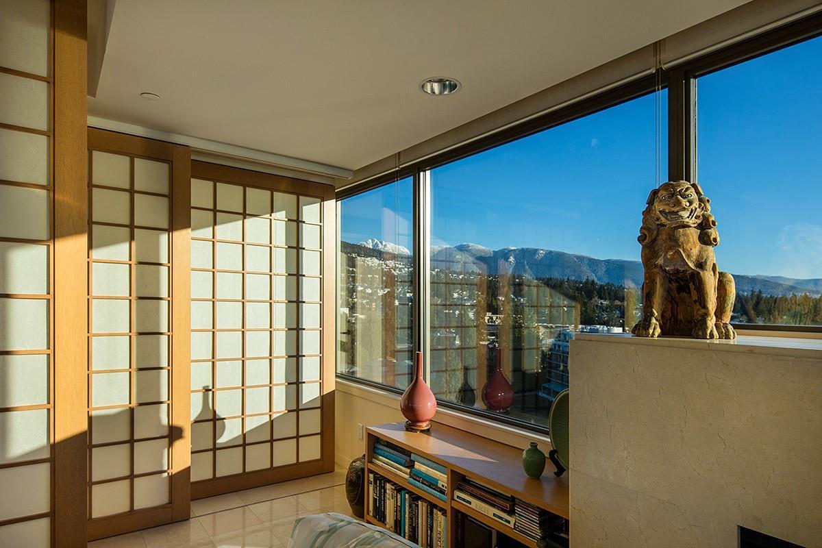 Condo Apartment at 12 2250 BELLEVUE AVENUE, Unit 12, West Vancouver, British Columbia. Image 8