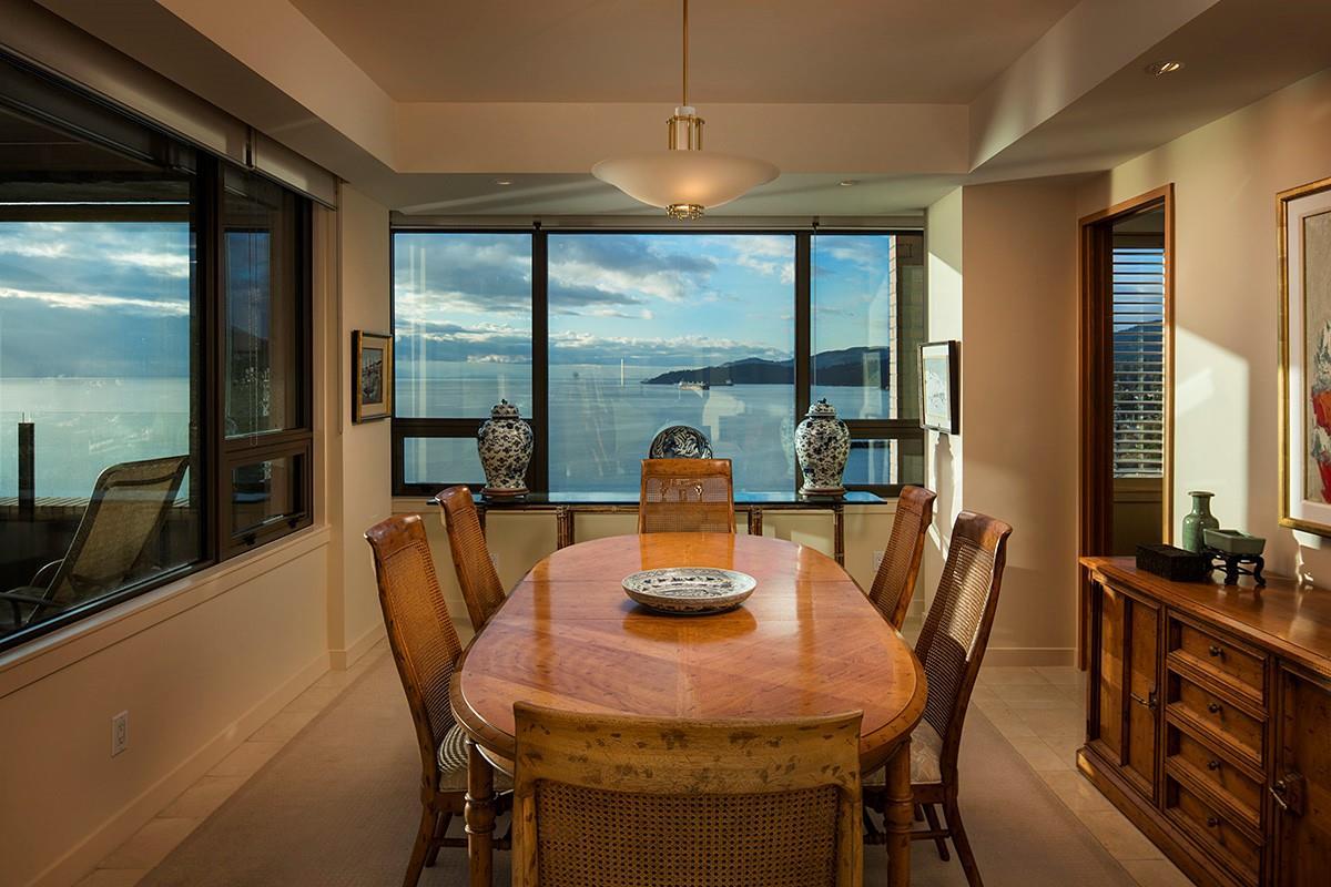 Condo Apartment at 12 2250 BELLEVUE AVENUE, Unit 12, West Vancouver, British Columbia. Image 10