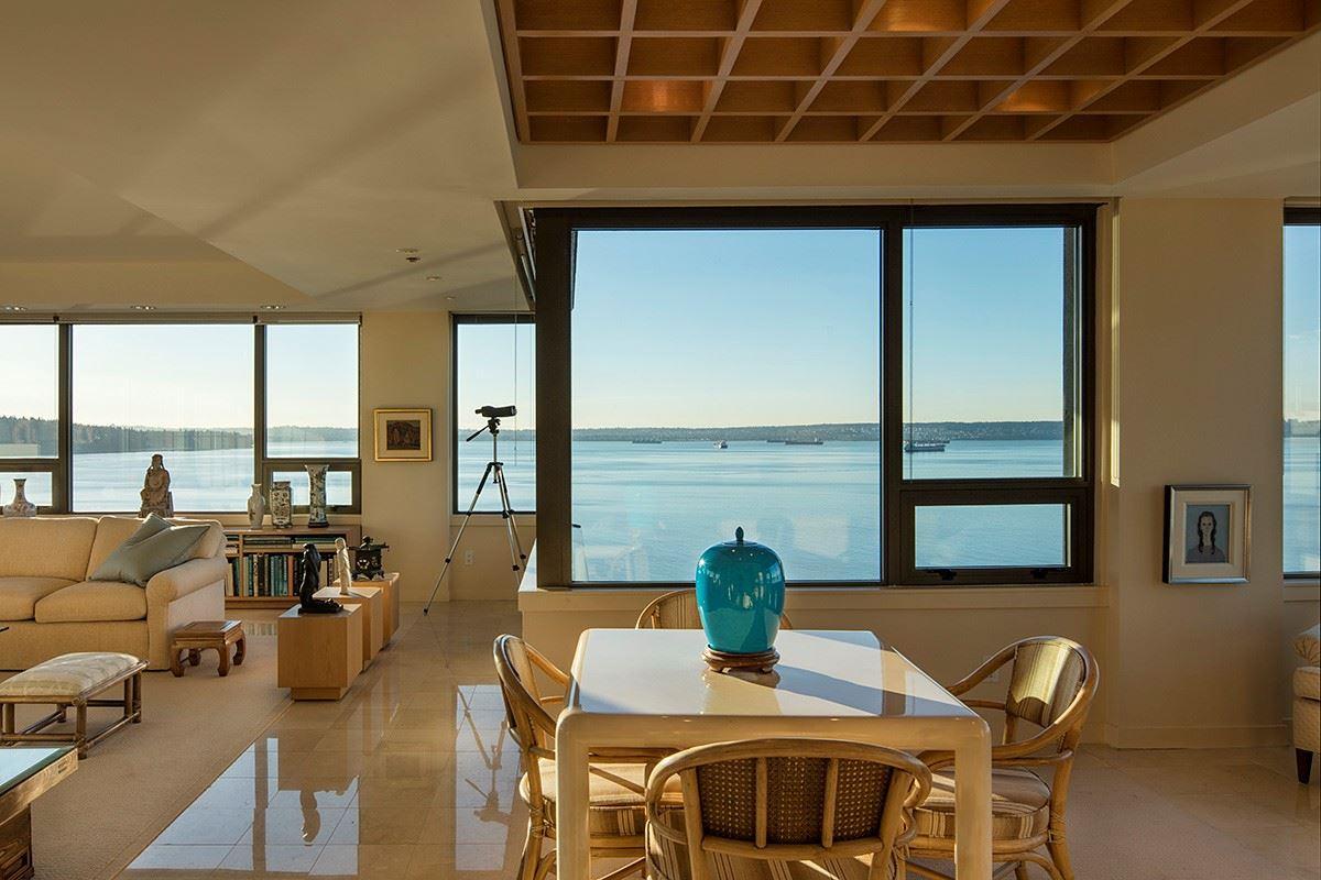 Condo Apartment at 12 2250 BELLEVUE AVENUE, Unit 12, West Vancouver, British Columbia. Image 11