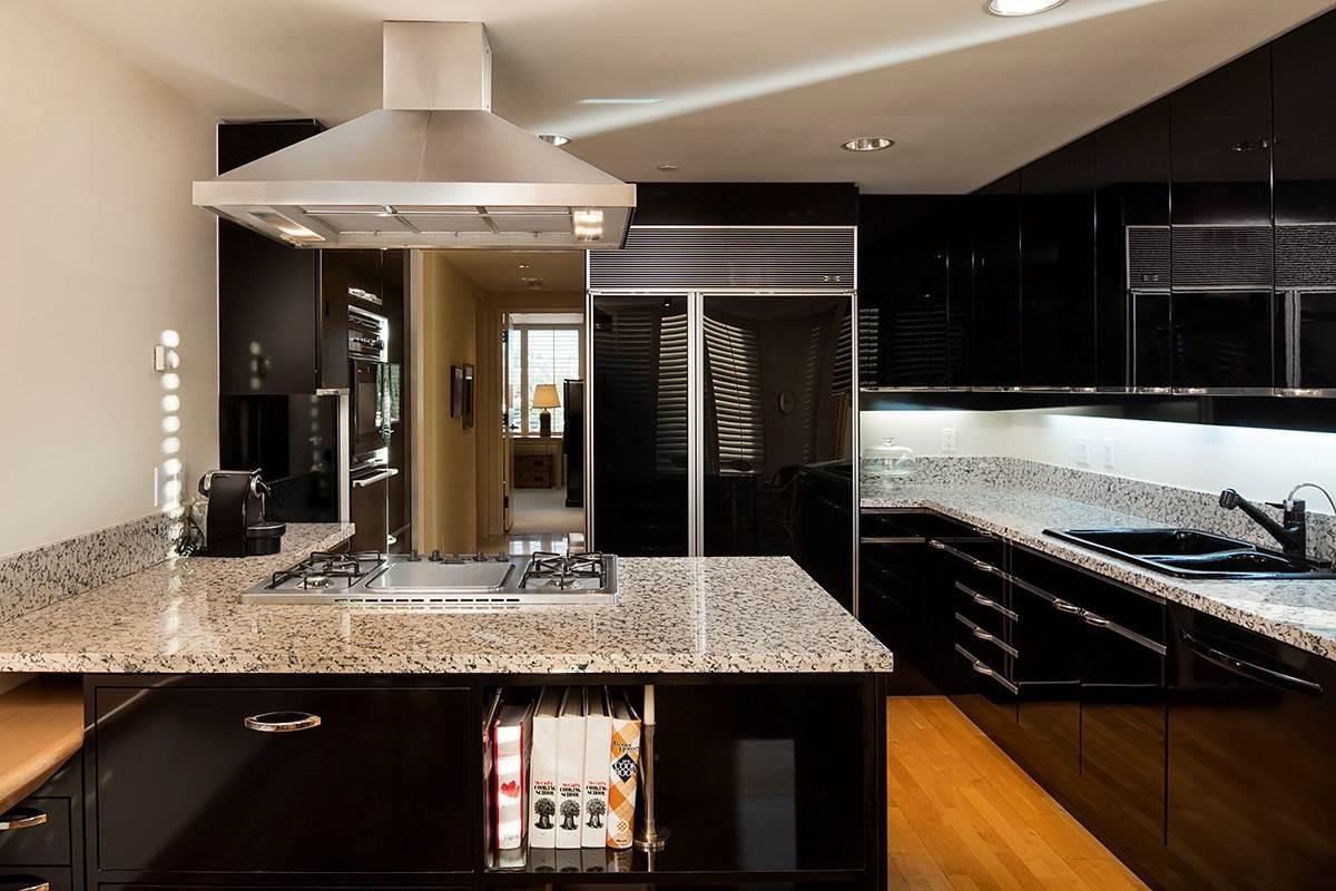 Condo Apartment at 12 2250 BELLEVUE AVENUE, Unit 12, West Vancouver, British Columbia. Image 14