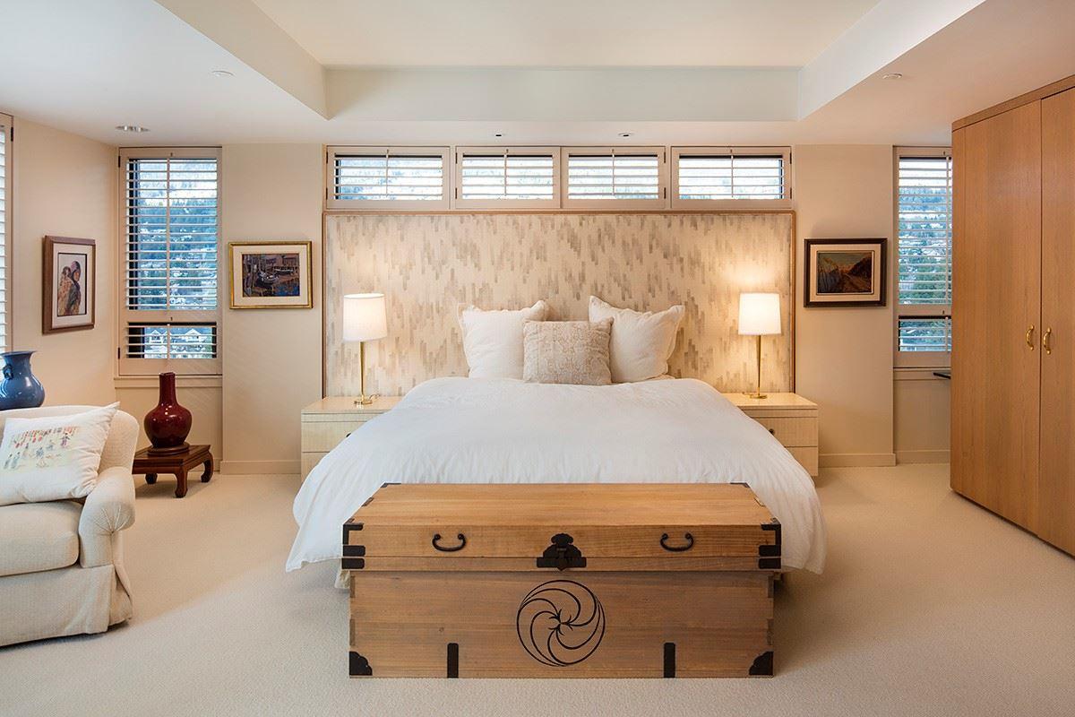 Condo Apartment at 12 2250 BELLEVUE AVENUE, Unit 12, West Vancouver, British Columbia. Image 16