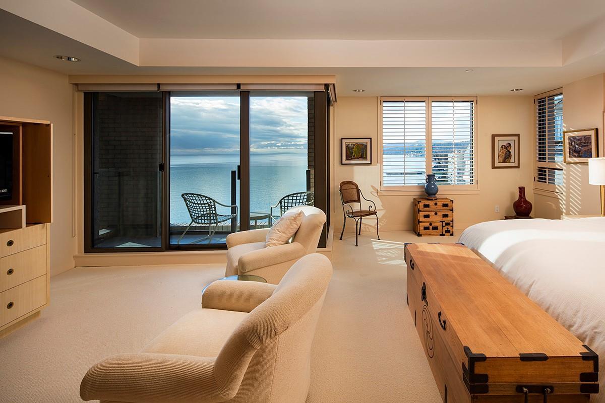 Condo Apartment at 12 2250 BELLEVUE AVENUE, Unit 12, West Vancouver, British Columbia. Image 17