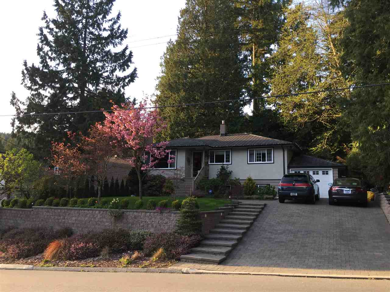 Detached at 742 WELLINGTON DRIVE, North Vancouver, British Columbia. Image 2