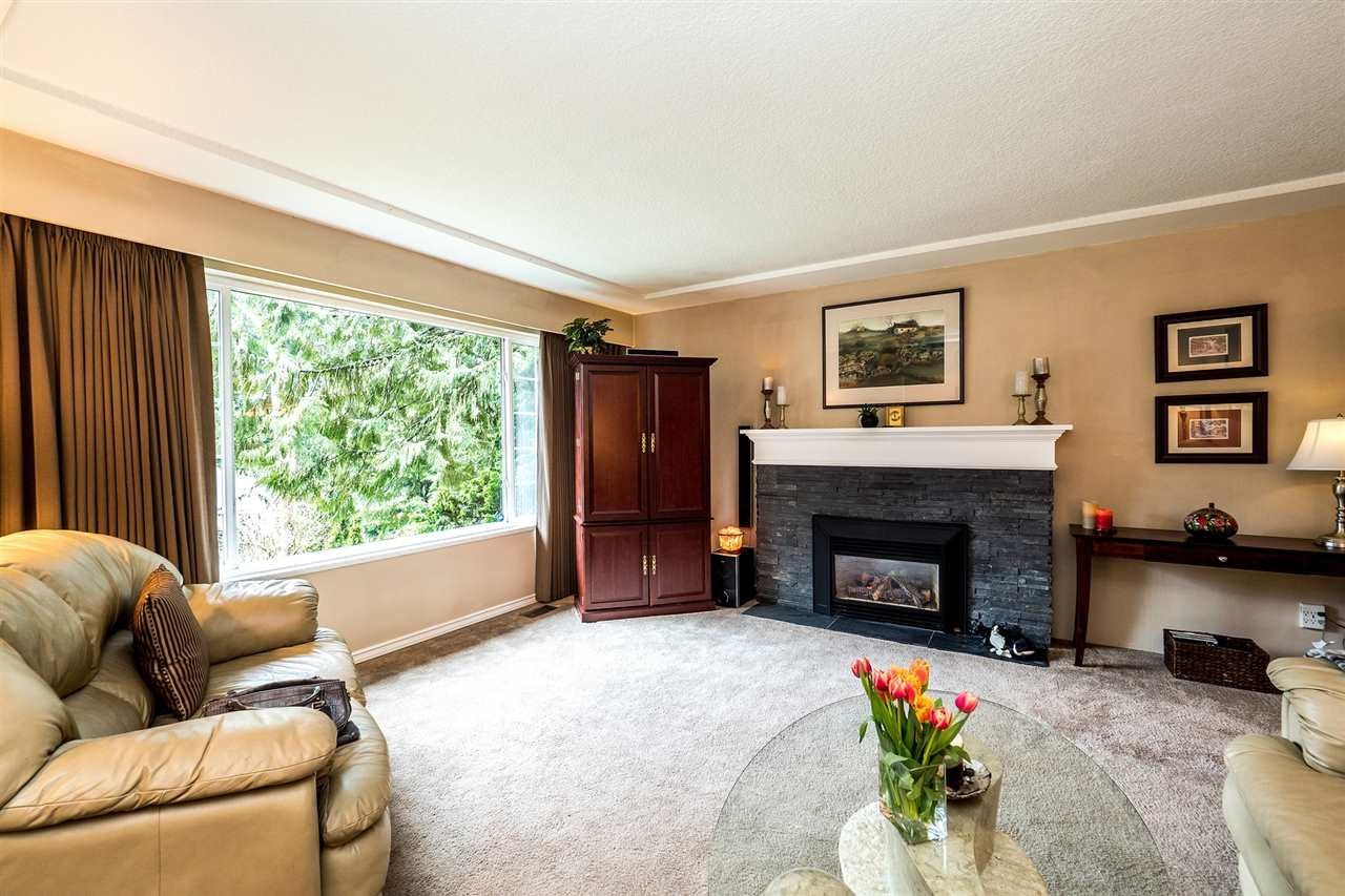 Detached at 742 WELLINGTON DRIVE, North Vancouver, British Columbia. Image 3