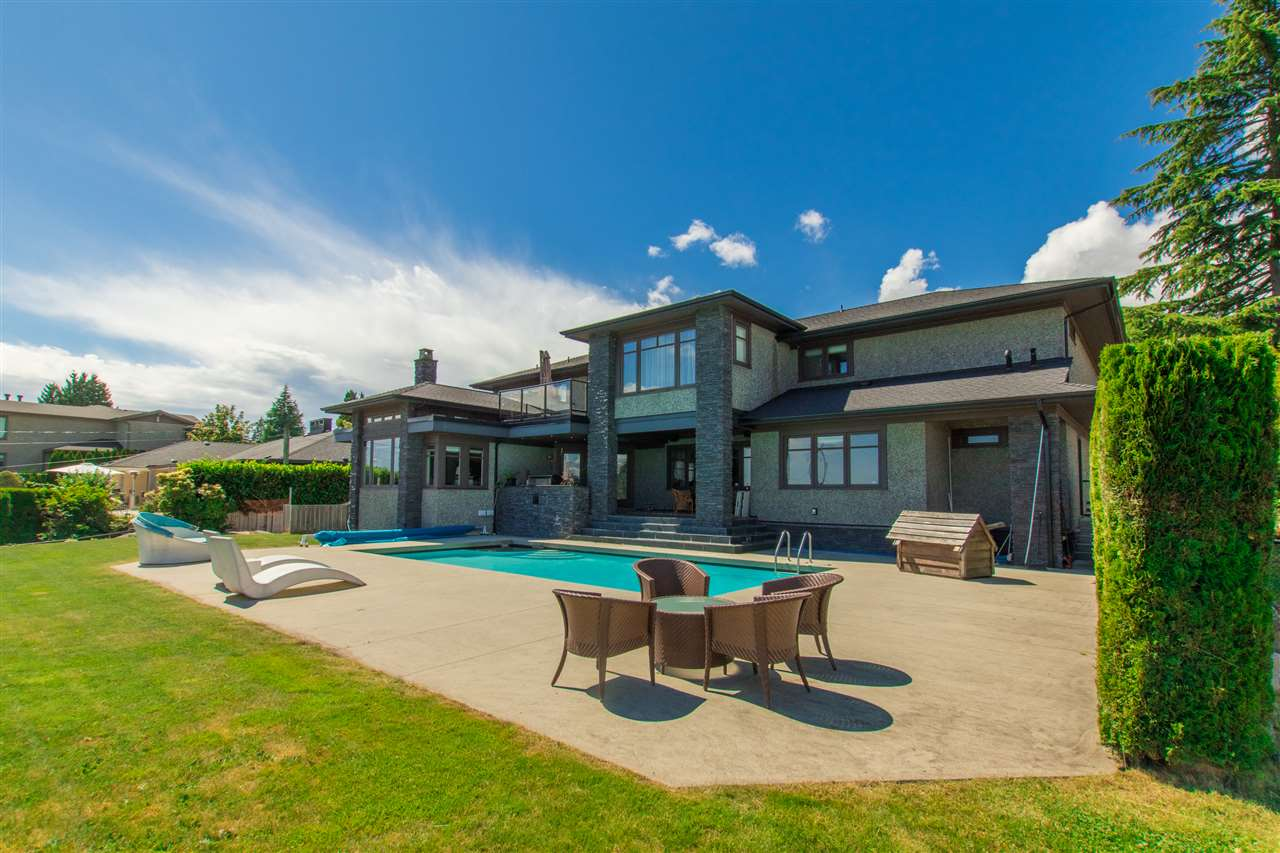 Detached at 990 EYREMOUNT DRIVE, West Vancouver, British Columbia. Image 5