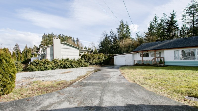 Detached at 21828 MOUNTAINVIEW CRESCENT, Maple Ridge, British Columbia. Image 6