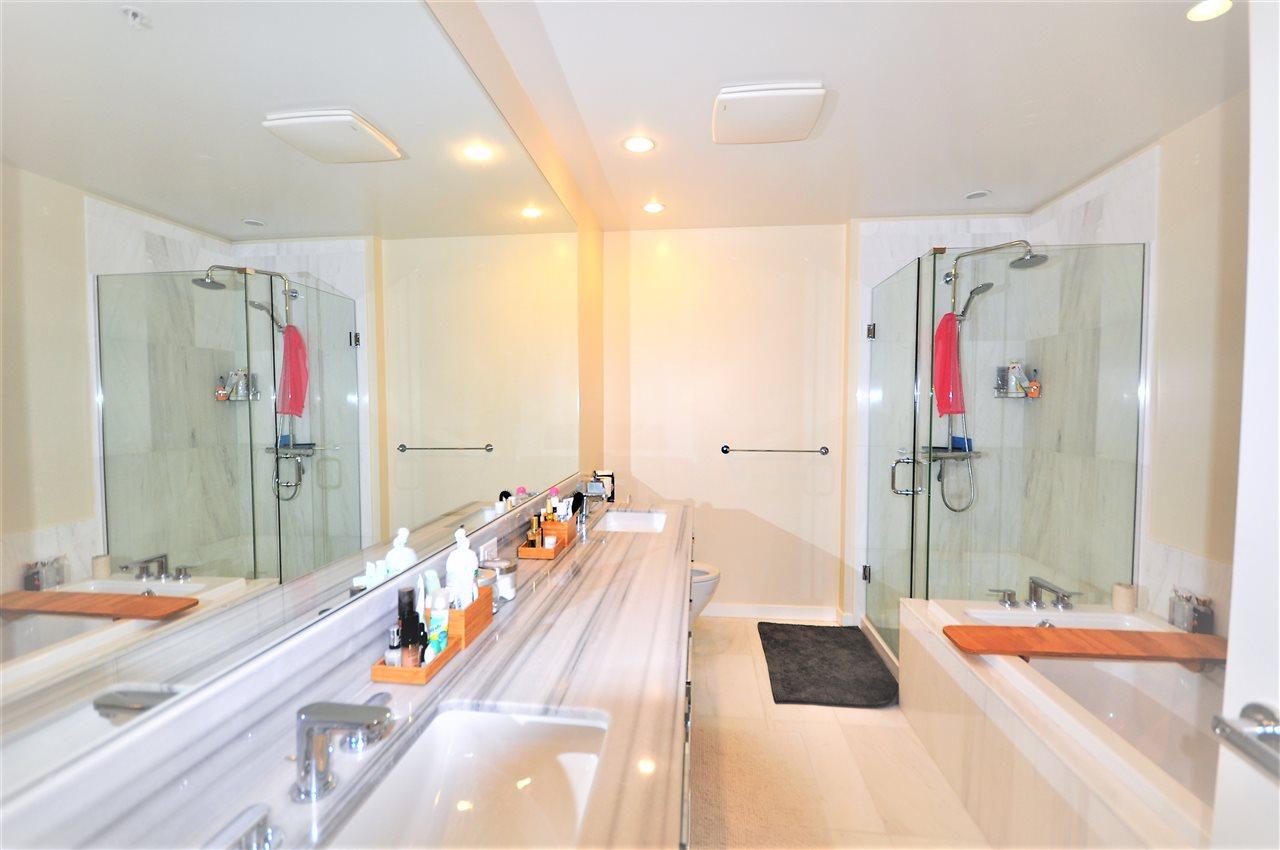 Condo Apartment at 1108 5728 BERTON AVENUE, Unit 1108, Vancouver West, British Columbia. Image 6