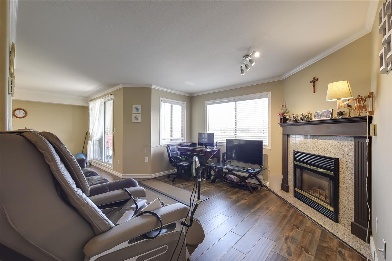Condo Apartment at 304 1428 56 STREET, Unit 304, Tsawwassen, British Columbia. Image 3