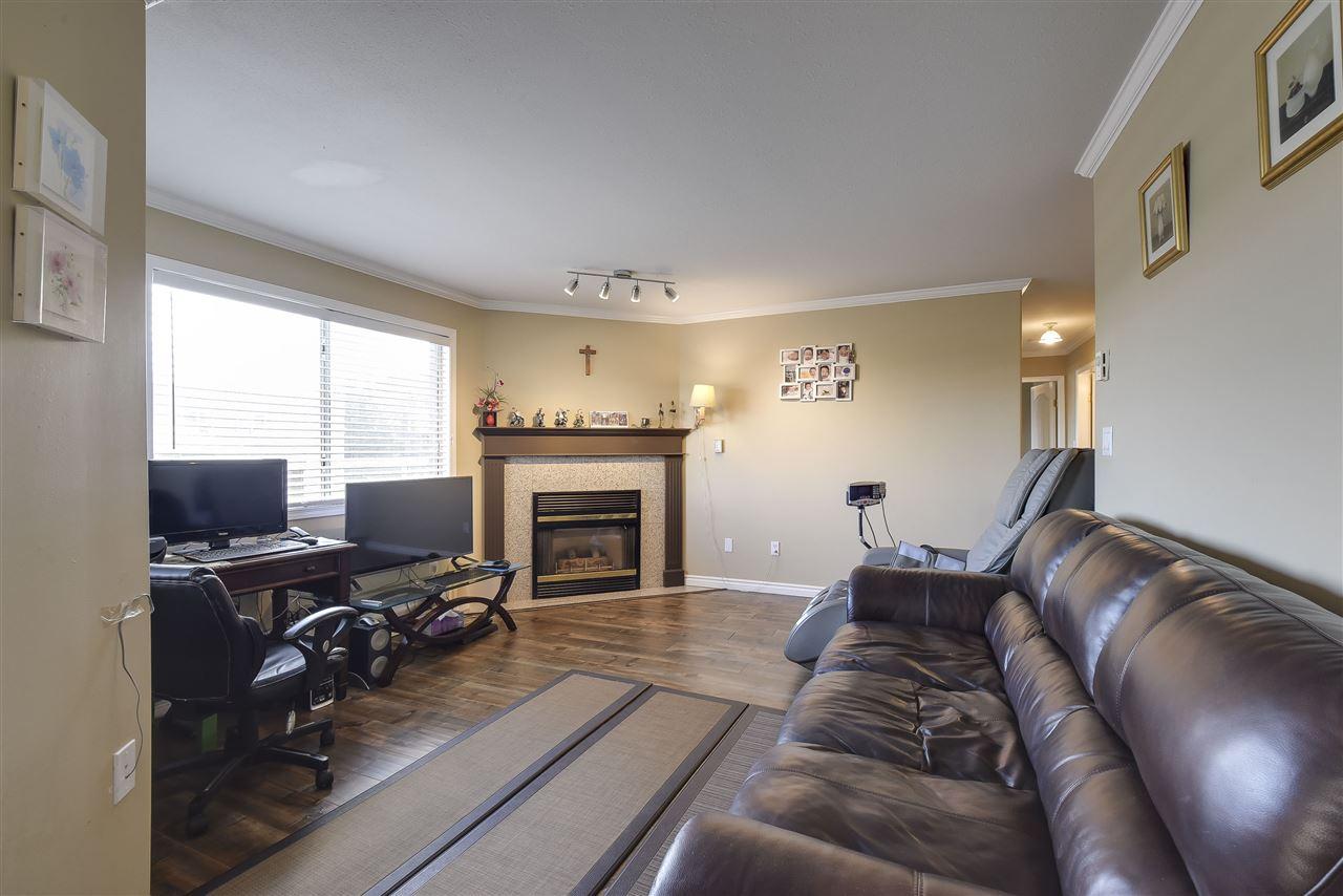 Condo Apartment at 304 1428 56 STREET, Unit 304, Tsawwassen, British Columbia. Image 4